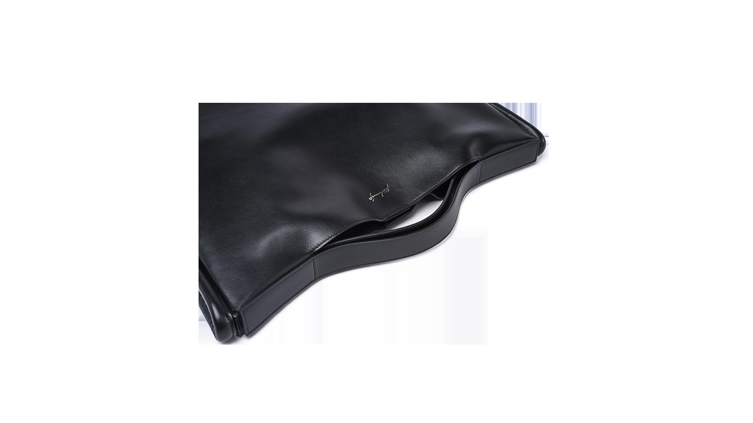 Egle – Black